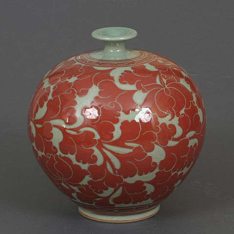 Narrow-neck Red Lotus Celadon Jar