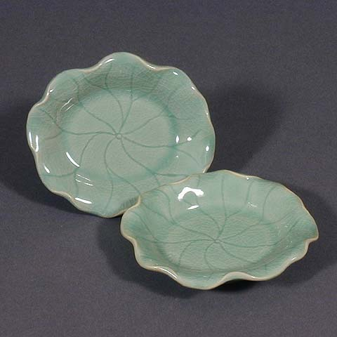 Water lily-shaped Celadon Plates