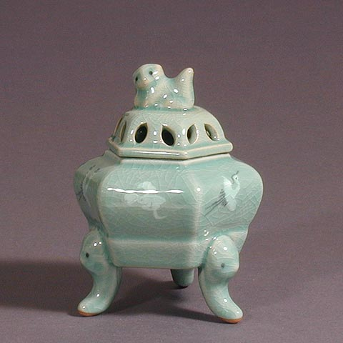 Yuk-gak Crane and Cloud Incense Burner