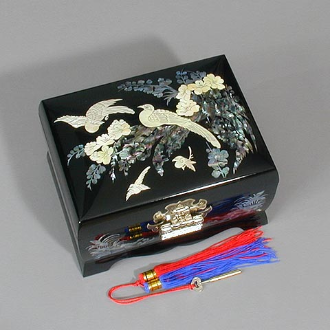 Large Plum Blossoms Music Box