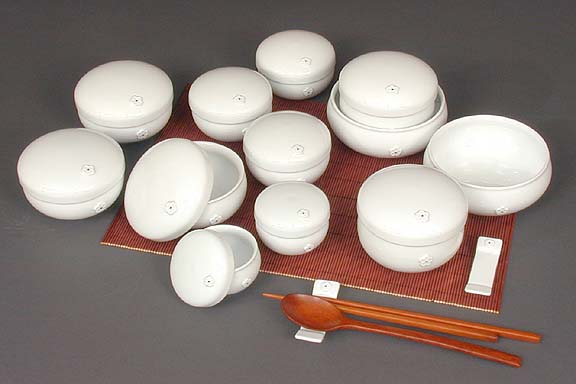 Twenty-four Piece White-flower Dinnerware Set
